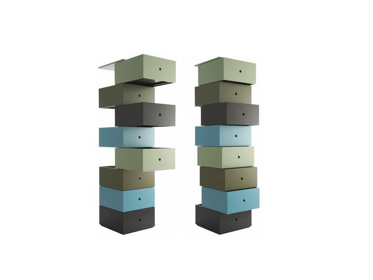 cassettiera con apertura dei cassetti ad anta sfalsata che offre cos lillusione di un disequilibrio disponibile con 5 o 8 cassetti