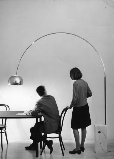 Flos arco flos lampada arco di castiglioni for Lampada arco