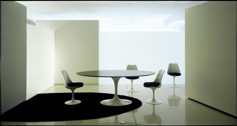 Tavolo Saarinen Dwg : Knoll sedia tulip side chair di eero saarinen