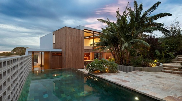 Flipped House by MCK Architects