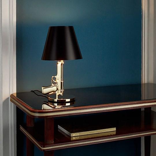 flos bedside gun flos lampada da tavolo
